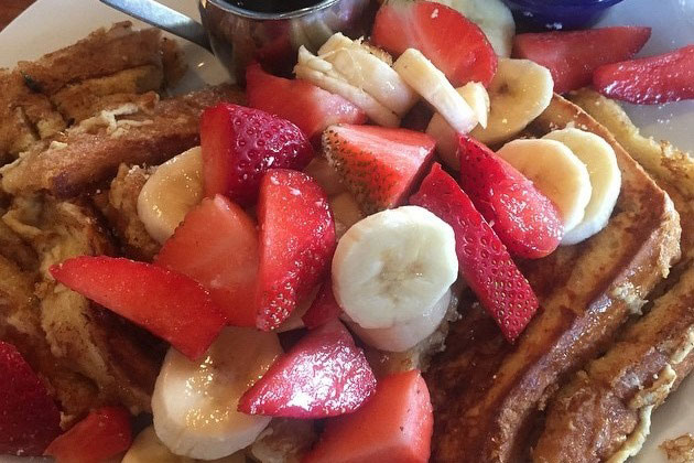 McKay Cottage french toast with strawberries and bananas