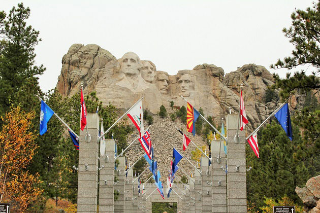 Mount Rushmore Flag Entrance